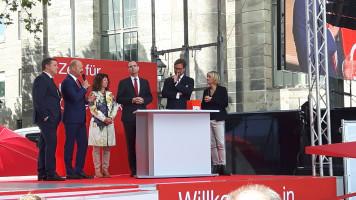 v.l.n.r.: Carsten Träger, Lutz Egerer, Martina Stamm-Fibich, Alexander Horlamus, Florian Pronold, Moderatorin