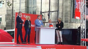v.l.n.r.: Uli Maly, Natascha Kohnen, Martin Burkert, Gabriela Heinrich, Moderatorin