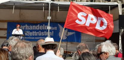 Ostermarsch in Nürnberg - Sozialdemokraten demonstrieren für Frieden und Abrüstung