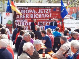 Landrat Herbert Eckstein, SPD, spricht zur Lage der Lohnabhängigen im Landkreis Roth.