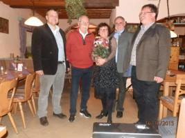 Glückliche Genossen mit Jubilar Helmut Wahner