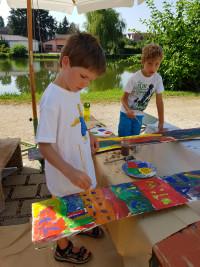 Kreatives Malen vor dem Büchenbacher Dorfweiher.