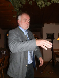 Landrat Herbert Eckstein erzählt vom langjährigen Einsatz für die Sozialdemokratie.